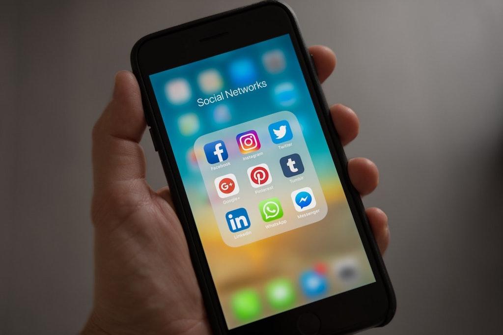 Taking a Social Media Break: A Guide for Teens