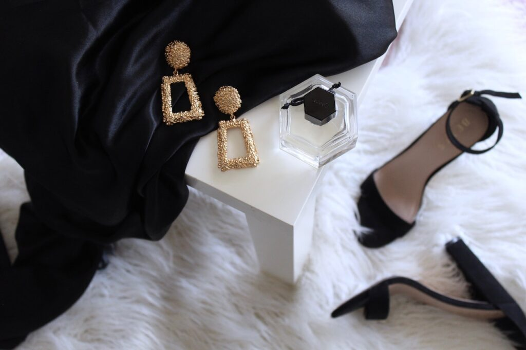 Write For Us -- Couture In The City